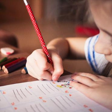 Aider son enfant à apprendre à écrire
