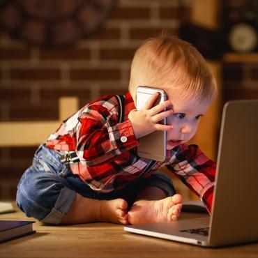 Bébés & écrans : un vrai danger !