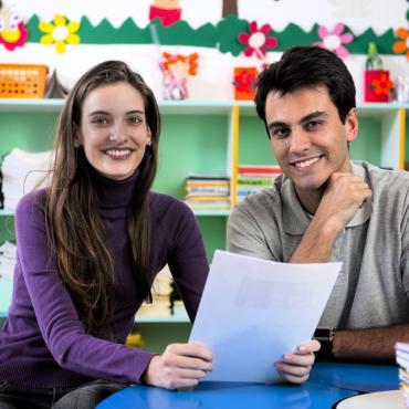 Je veux m'impliquer dans la vie de l'école : quelles sont les possibilités ?