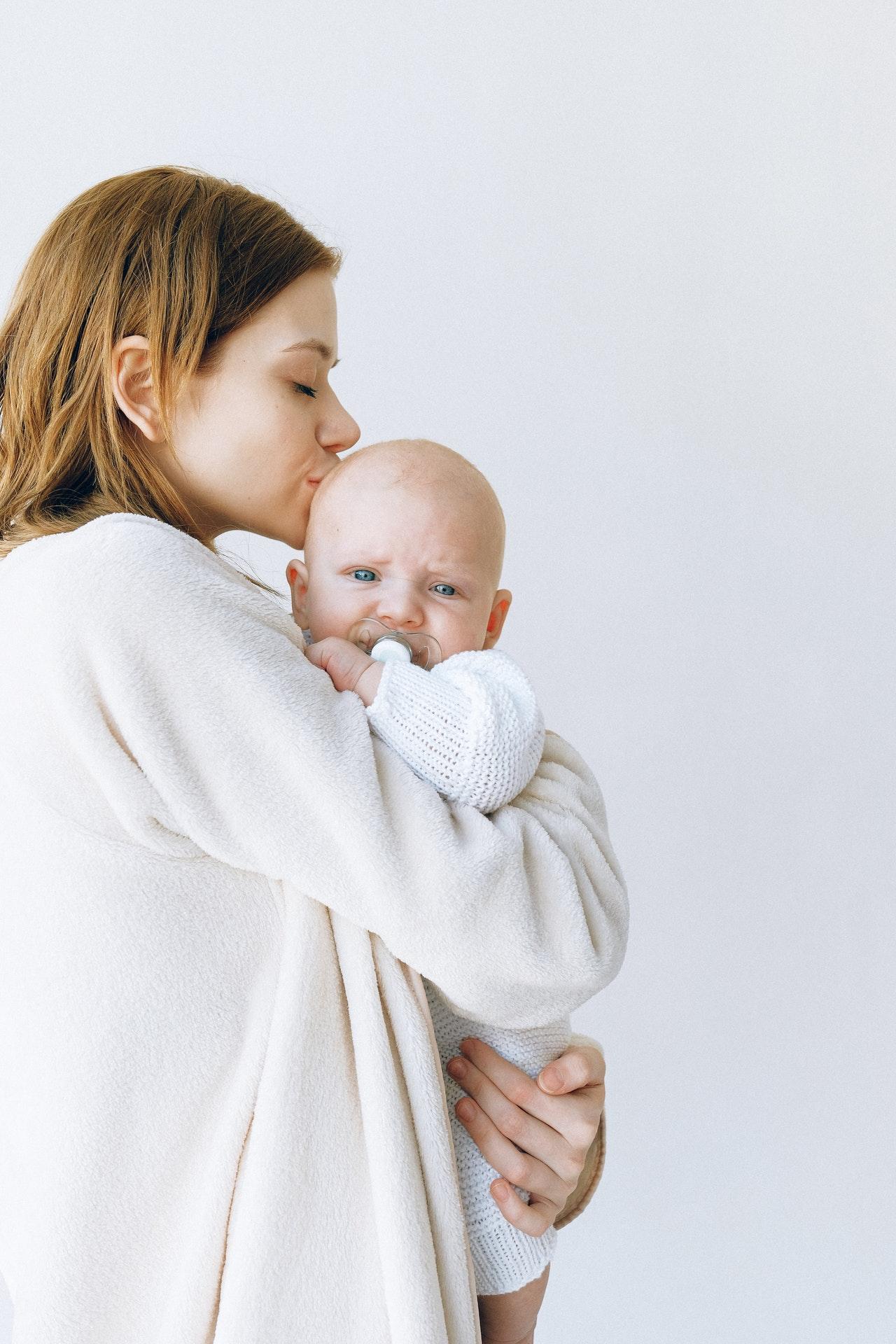 Comment bébé exprime-t-il son mal-être ?