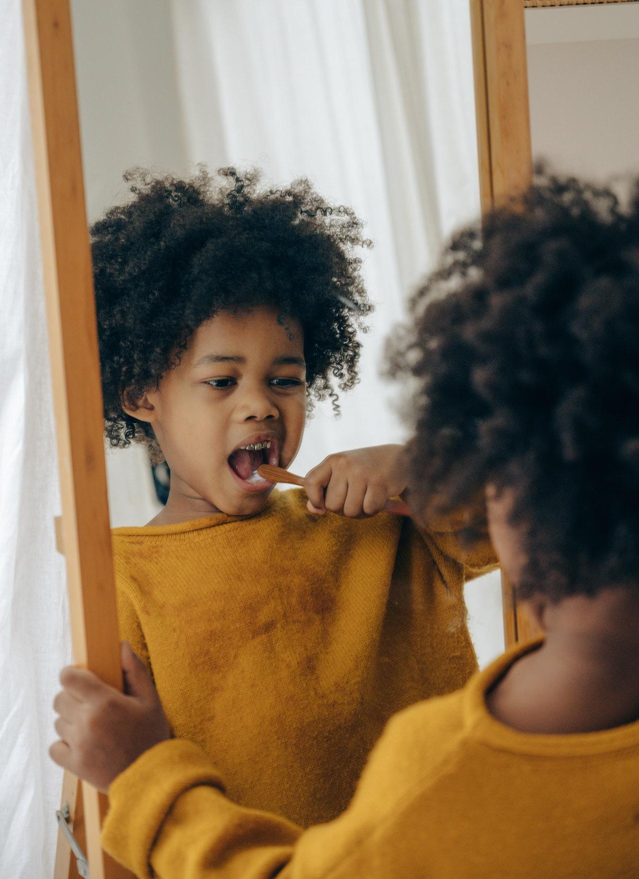 Apprenez à vos enfants à s'aimer et à aimer leur corps
